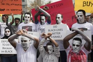 Rwandan refugees living in Israel, stage a demonstration after Israeli authorities decided to deport refugees in Tel Aviv, Israel on 7 February 2018 [Kobi Wolf/Anadolu Agency]
