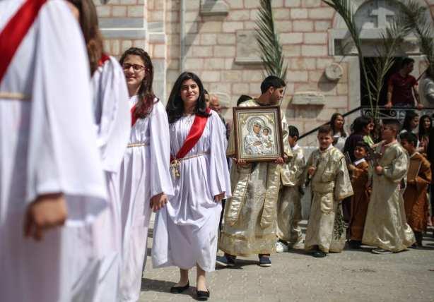Orthodox Christians attend the Palm Sunday procession in Gaza City, Gaza on 1 April, 2018 [Mustafa Hassona - Anadolu Agency]