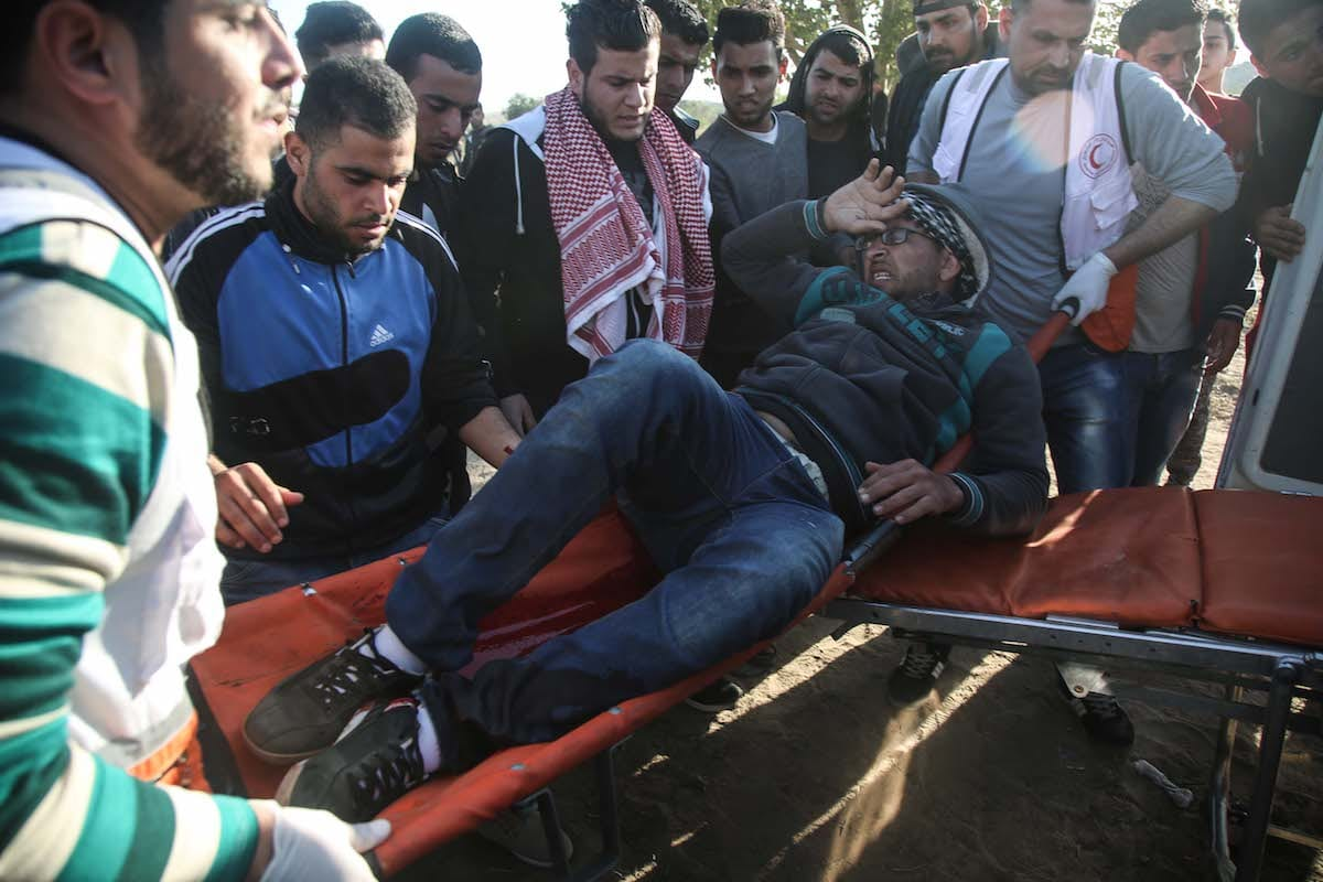 Palestinians injured in clashes with Israeli soldiers in eastern Gaza