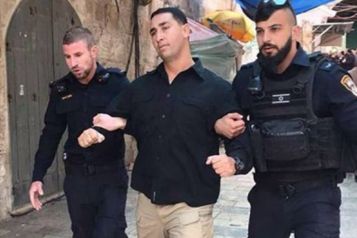 Israeli occupation forces arrested, Arafat Najee, a guard at Al-Aqsa Mosque and summoned others in for questioning [Twitter]