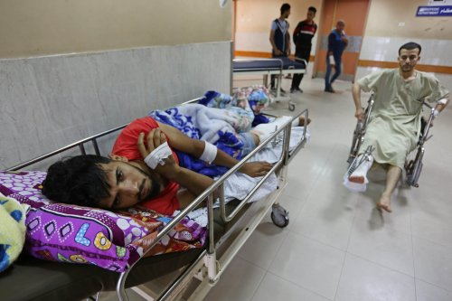 Palestinians, who were wounded by Israeli soldiers during a protest, organized to mark 70th anniversary of Nakba, also known as Day of the Catastrophe in 1948, and against United States' plans to relocate the U.S. Embassy from Tel Aviv to Jerusalem, receive treatments at European Hospital in Gaza City, Gaza on 17 May, 2018 [Ashraf Amra/Anadolu Agency]