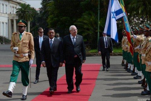 Israeli President Reuven Rivlin meets Ethiopian President Mulatu Teshome in Addis Ababa on 2 May 2018 [Reuven Rivlin/Twitter]