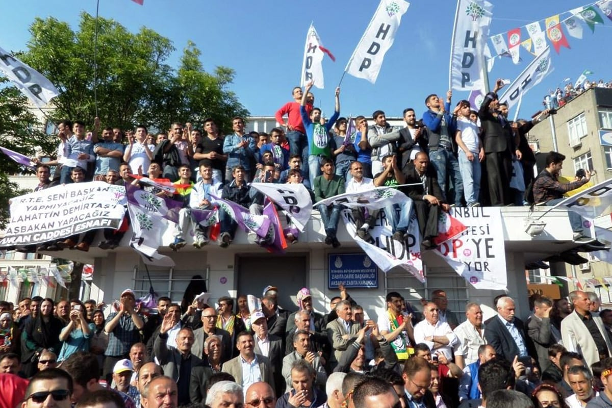 An electoral rally of the Peoples' Democratic Party (HDP) of Turkey before the 2015 general election, on May 18, 2015 [Salih Turan / VOA]