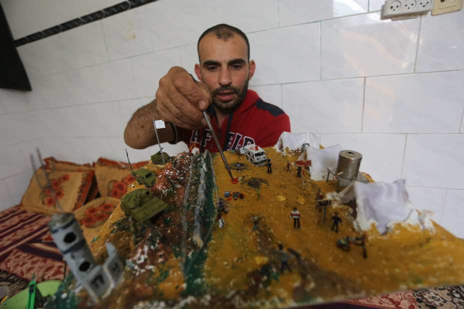 Palestinian sculptor Majdy Abu Tagiyya.