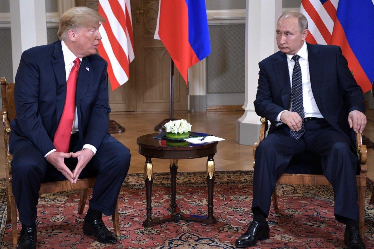 Russian President Vladimir Putin (R) and U.S. President Donald Trump (L) are seen during their meeting in Helsinki, Finland on 16 July, 2018 [Kremlin Press Office Handout/Anadolu Agency]