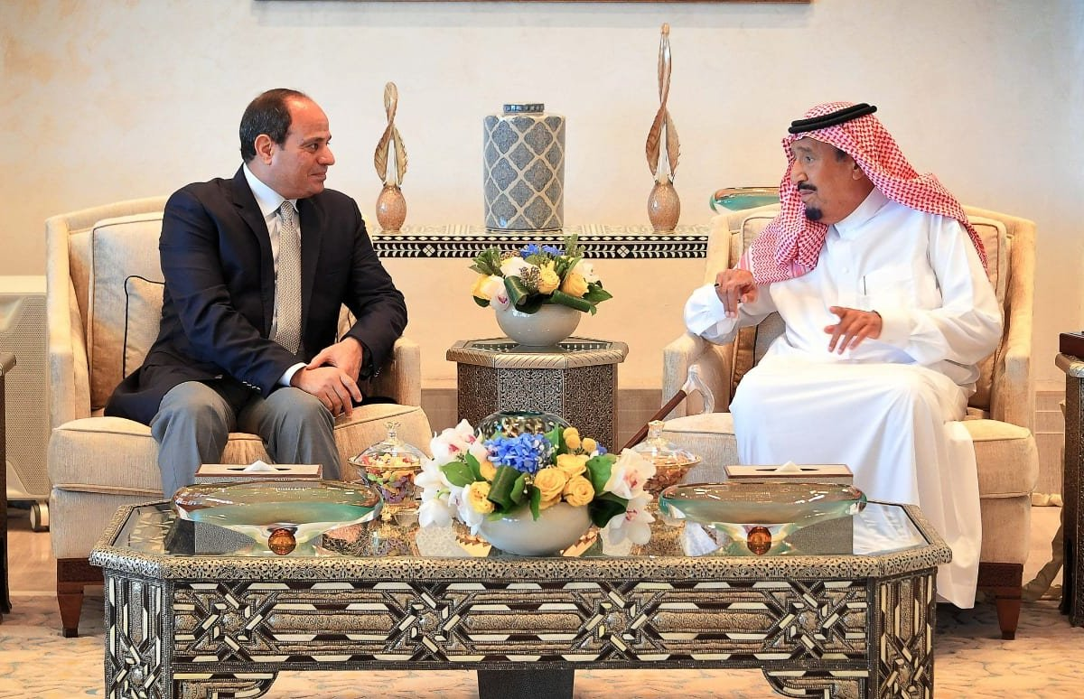 Saudi Arabian King Salman bin Abdulaziz al-Saud (R) meets Egyptian President Abdel Fattah al-Sisi (L) in Neom, Saudi Arabia on 14 August 2018 [EGYPTIAN PRESIDENCY/Anadolu Agency]