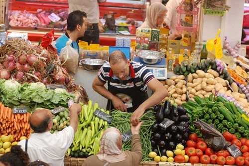 Fruit and vegetable shop in Algeria