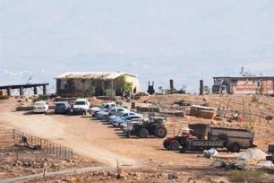 Israeli settlers build houses in Jordan Valley - [Maan News]