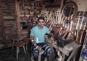 Nidal is 20 years old 29 October, Gaza City [Mustafa Hassona/Anadolu Agency]