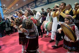 People take part in traditional dances Iran, 20 November 2018 [Fatemeh Bahrami/Anadolu Agency]