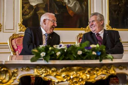 Czech President Milos Zeman (R) meets Israeli President Reuven Rivlin (L) at the Prague Castle, 21 October, 2015 in Prague, Czech Republic. [Matej Divizna/Getty Images]