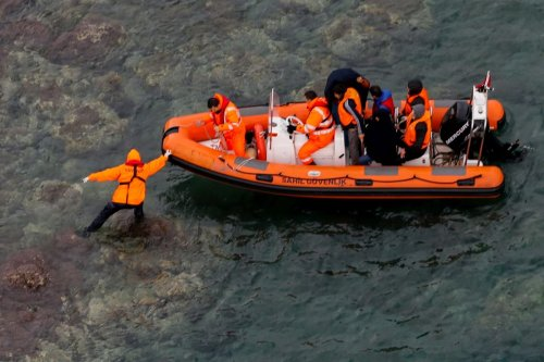 A rescue operation for migrants stranded in Balikesir, Turkey on 19 November 2018 [Evren Atalay/Anadolu Agency]