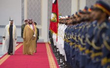 Crown Prince and Defense Minister of Saudi Arabia Mohammad bin Salman al-Saud (R) is welcomed by Crown Prince of Abu Dhabi Mohammed bin Zayed Al Nahyan with an official ceremony at Abu Dhabi Airport in Abu Dhabi, UAE on 22 November 2018 [BANDAR ALGALOUD/Anadolu Agency]