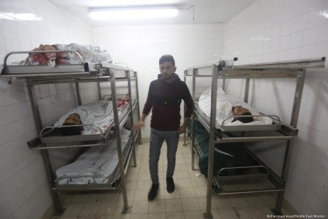 The bodies of those killed in the air strike carried out by Israel in Gaza on 11 November 2018 [Mohammed Asad/Middle East Monitor]