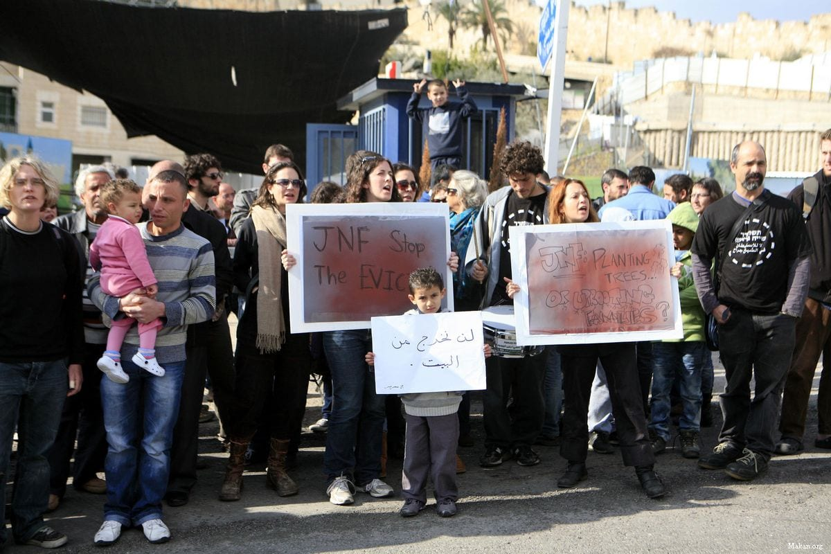 Palestinians protest being evicted from their homes Silwan on 25 November 2011 [Makan.org]
