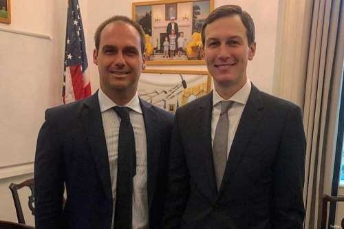 Eduardo Bolsonaro, son of Brazilian President-elect Jair Bolsonaro (L) and US presidential advisor Jared Kushner on 27 November 2018 [Twitter]
