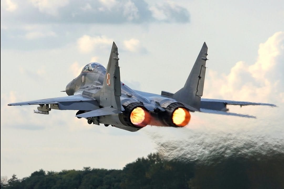 Russian made MiG-29 fighter plane [Youtube]