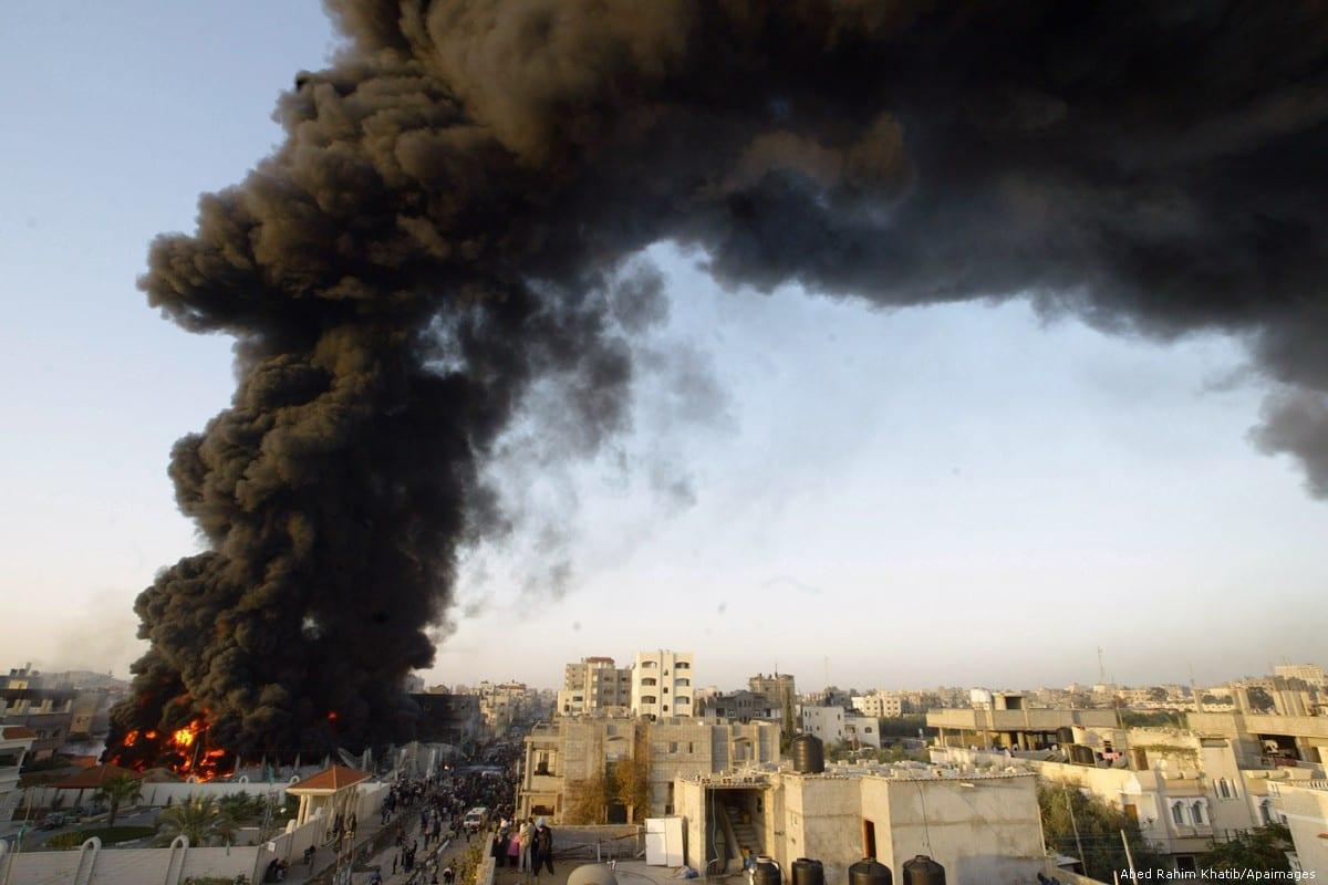 Photo taken during the Israeli war on the Gaza Strip on 28 December 2008 [Rahim Khatib/Apaimages]