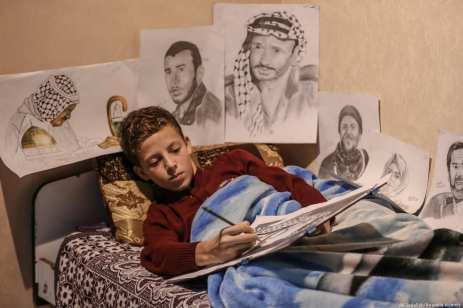 Majd al-Madhoun, 13-years old Palestinian boy displays a remarkable flair for drawing on 5 December, 2018 [Ali Jadallah/Anadolu Agency]