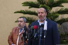 Senior Hamas official Khalil Al-Hayya (R) speaks to the press in Gaza on the 24 January 2019 [Mohamed Asad/Middle East Monitor]