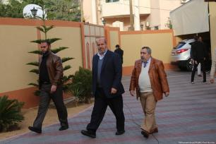 Senior Hamas official Khalil Al-Hayya is seen walking to a press conference in Gaza on 24 January 2019 [Mohamed Asad/Middle East Monitor]