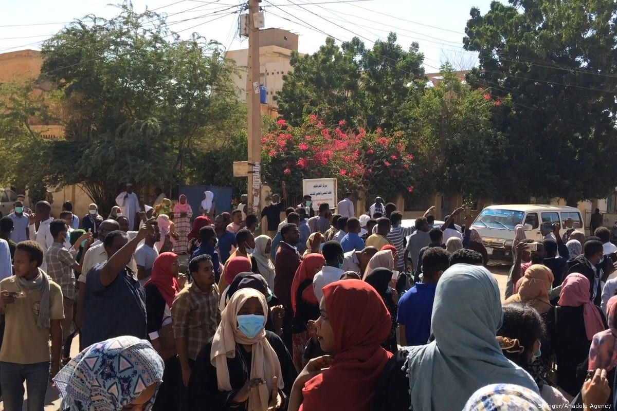 Sudanese protesters attend an anti-government demonstration in the capital Khartoum on January 6, 2018 [Stringer / Anadolu Agency]