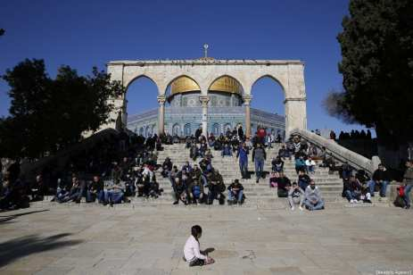 Palestinians gather to perform the Friday prayer at Al-Aqsa Mosque Compound in Jerusalem on January 04, 2019. ( Mostafa Alkharouf - Anadolu Agency )