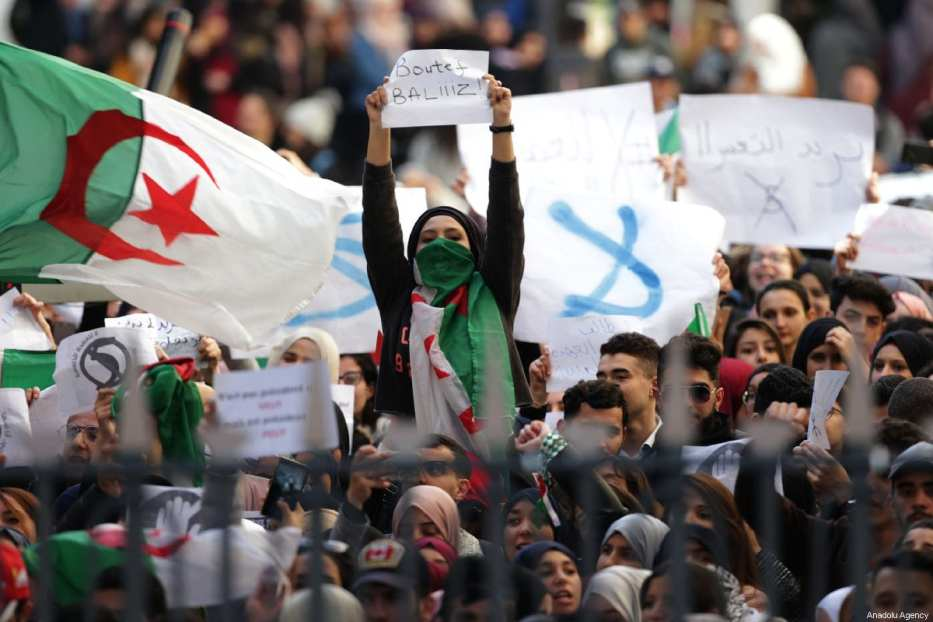 Algerian students gather to protest against the fifth term of Abdelaziz Bouteflika at the University of Algiers in Algiers, Algeria, on February 26, 2019. [Farouk Batiche - Anadolu Agency]