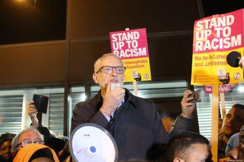 Guardian columnist peddles fake news to accuse Corbyn of anti-Semitism
