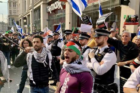 """Hundreds of protesters gather in front of the Israeli Embassy in central London in solidarity with Palestinian people who are holding large """"Great March of Return"""" and """"Palestinian Land Day"""" rallies across Gaza border, in London, United Kingdom on March 30, 2019 [Hasan Esen / Anadolu Agency]"""