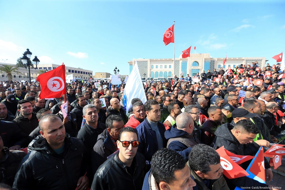 Thousands of security forces protest outside the government building demanding better working conditions in Tunis, Tunisia, on 28 February 2019 [Yassine Gaidi/Anadolu Agency]