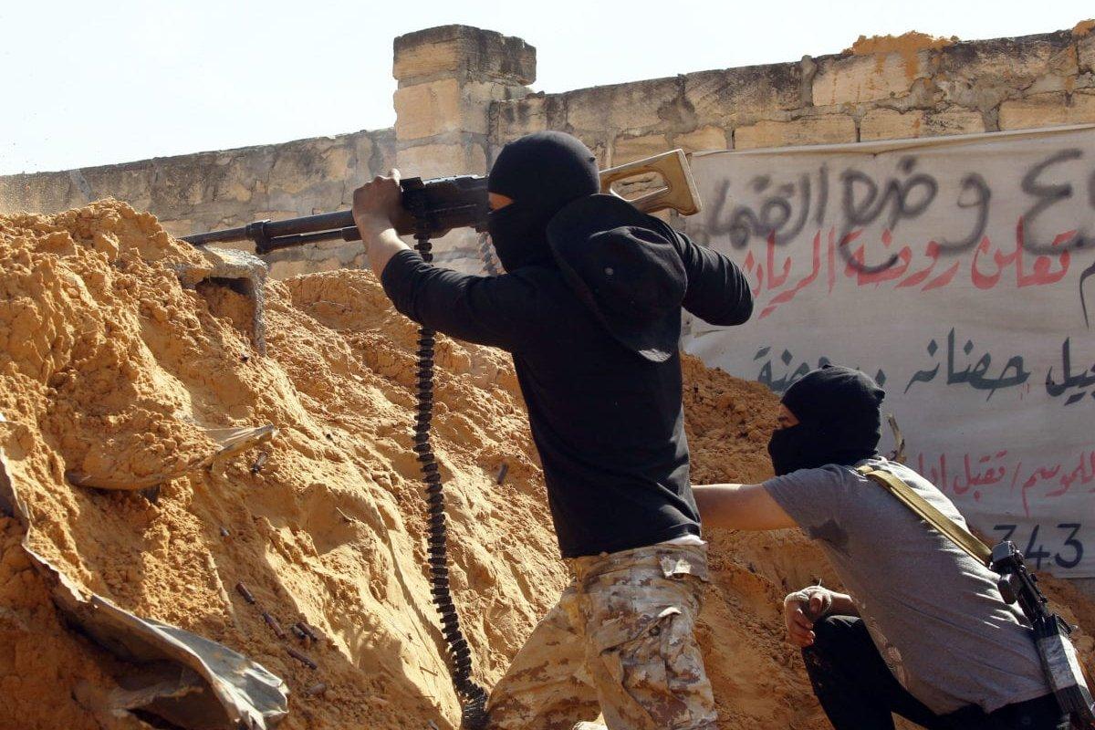 Libyan National Accord Government troops clash with eastern Libyan military commander Khalifa Haftar's troops in Wadi al-Rabie area located at south of Tripoli, Libya on April 10, 2019. [Hazem Turkia - Anadolu Agency]