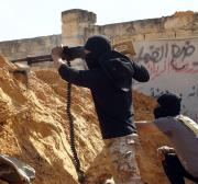 Heavy clashes break out in southern suburbs of Libyan capital