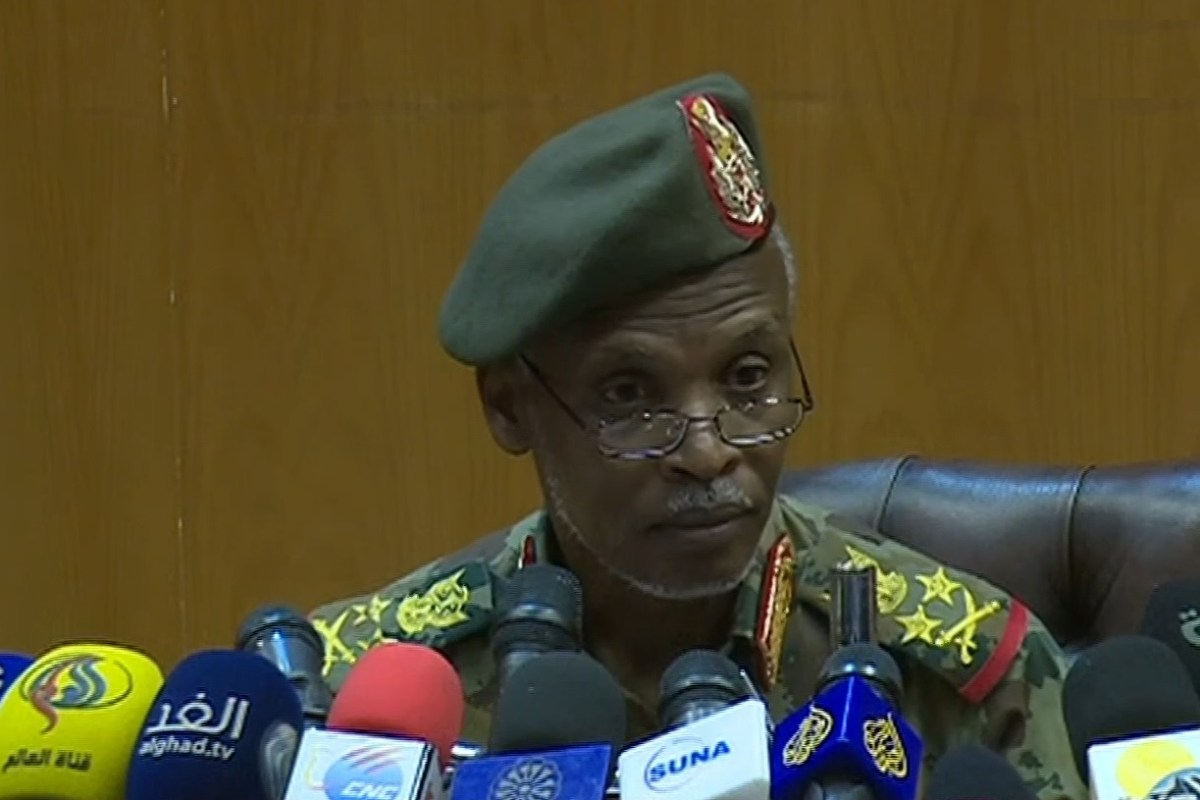Head of the Military Transitional Council of Sudan, Awad ibn Auf holds a press conference in Khartoum, Sudan on 12 April 2019. [AA - Anadolu Agency]