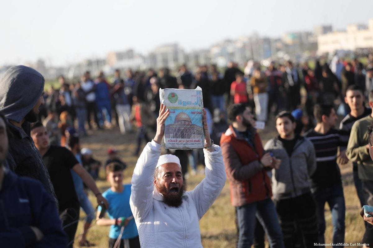Hundreds of Palestinians flocked to the Gaza-Israel buffer zone where they took part in ongoing anti-Israel demonstrations for the 53rd week in row on 12 April 2019 [Mohammed Asad/Middle East Monitor]