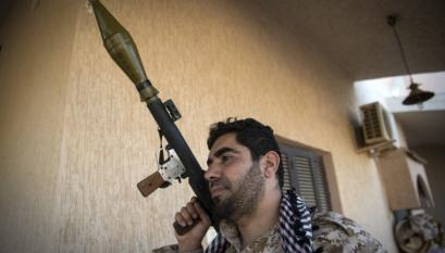 East Libyan forces heading south to secure oil sites