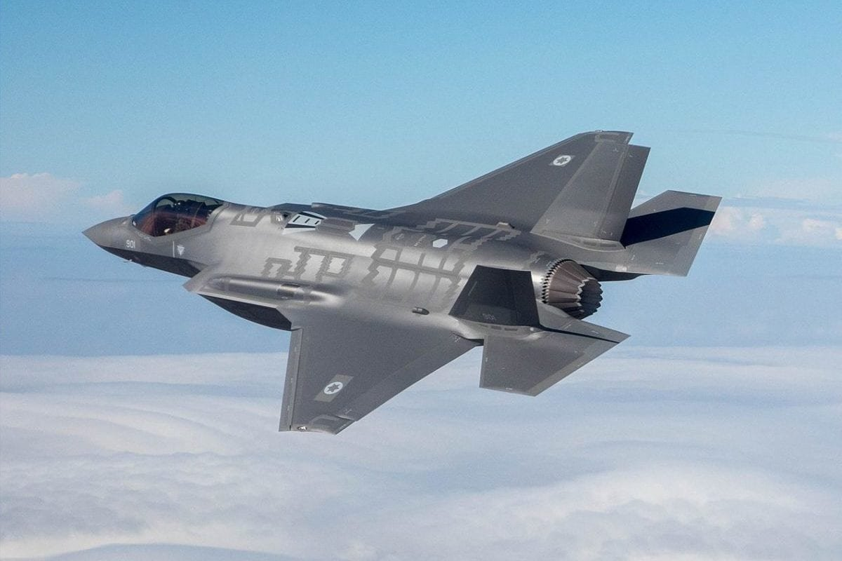 The Israeli Air Force's latest fighter jet, the F-35l seen in flight on December 13, 2016 [Israeli Air Force / WikiMedia]