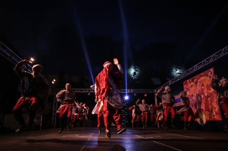 Palestinians perform a folk dance on the 20th Palestinian Festival celebrations in Gaza City, Gaza on 8 July 2019 [Ali Jadallah/Anadolu Agency]