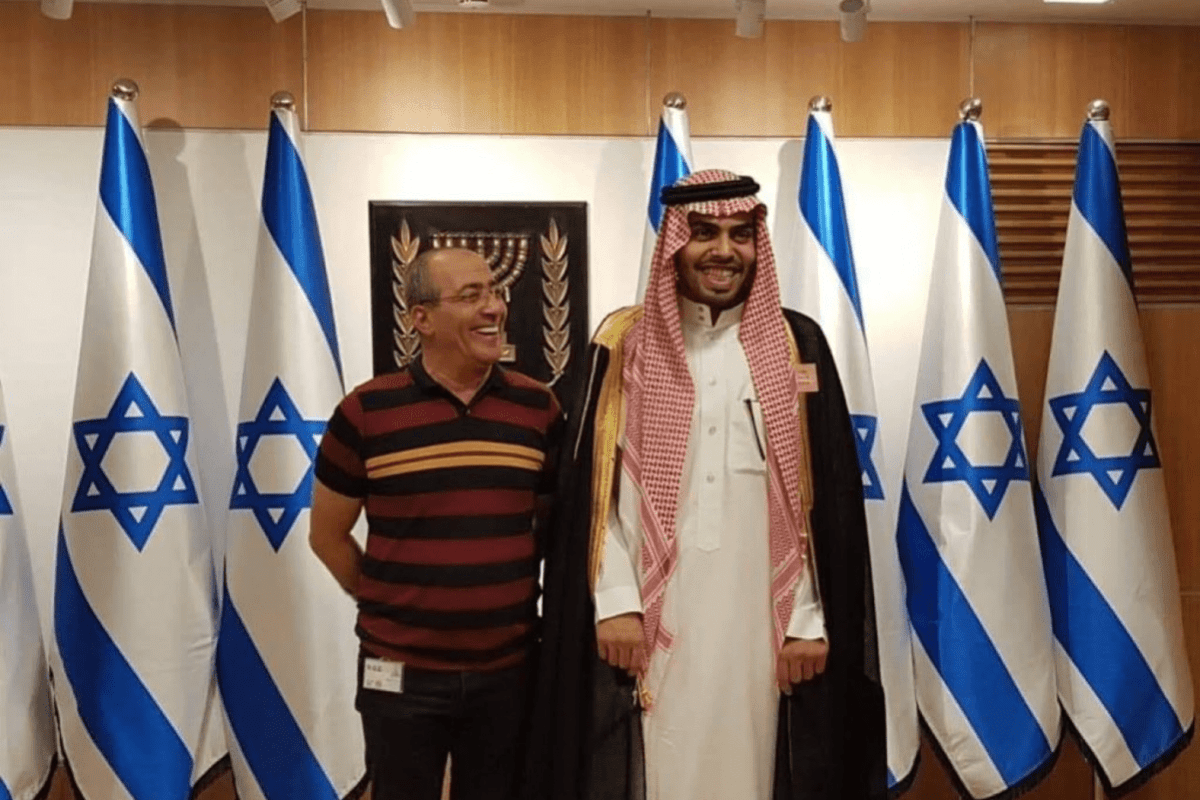 Saudi blogger Mohammed Saud during his tour to Israel [Screenshot]