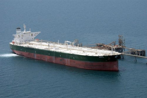 Commercial oil tanker AbQaiq readies itself to receive oil at Mina-Al-Bkar Oil terminal (MABOT), an off shore Iraqi oil installation [US Navy-Wikipedia]