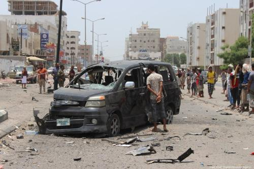 A wrecked vehicle is seen after a car exploded in Aden, Yemen on 1 August 2019 [Wael Shaif Thabet/Anadolu Agency]