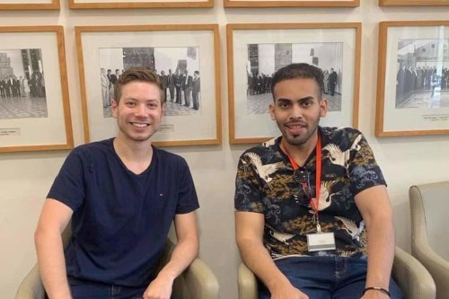 Saudi blogger Mohammed Saud with Yair Netanyahu, son of Israel's prime minister [Twitter]