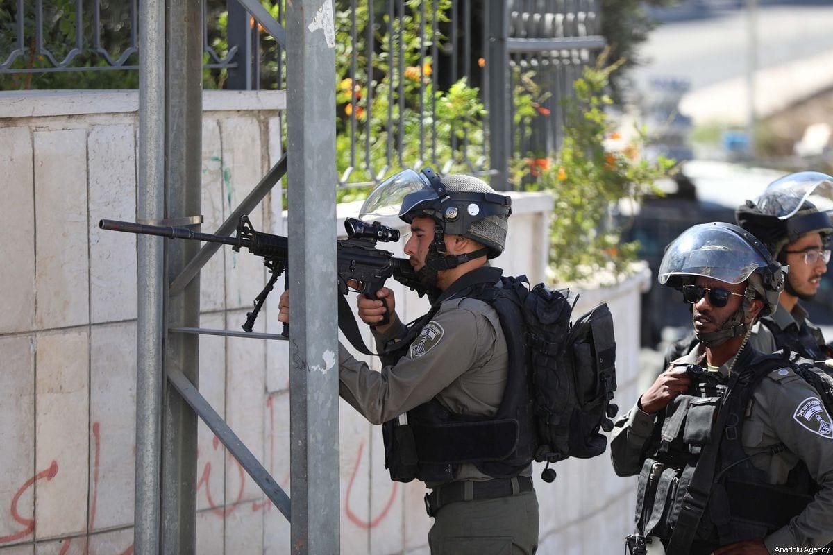 Israeli forces carry out raids in Batn al Hava neighborhood, in Ramallah, West Bank on 25 September 2019. [Issam Rimawi - Anadolu Agency]