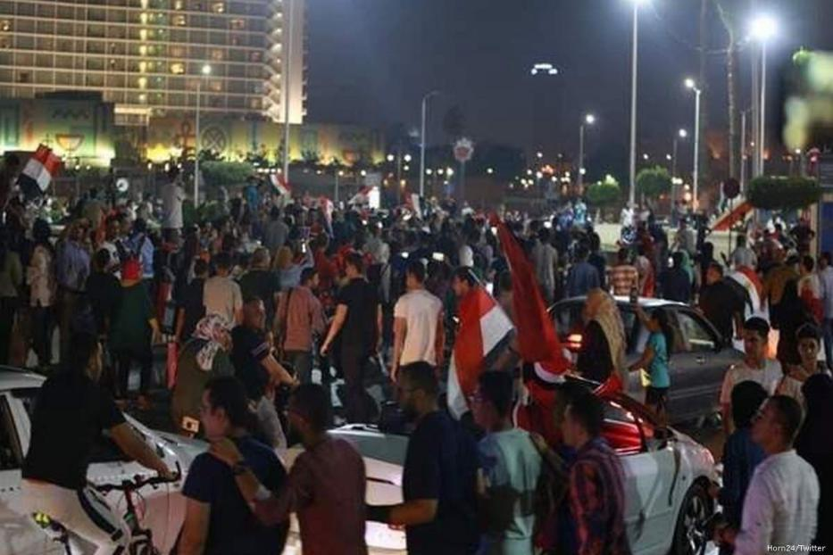 Egyptians gather in Cairo and protest against the government on 22 September 2019 [Stringer/Anadolu Agency]