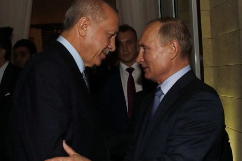 Russian President Vladimir Putin (R) sees President of Turkey, Recep Tayyip Erdogan off after their meeting at Presidential Residence in Sochi, Russia on October 22, 2019 [Murat Kula / Anadolu Agency]