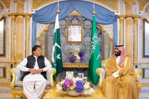 Imran Khan Prime Minister of Pakistan (L) and Crown Prince of Saudi Arabia Mohammad Bin Salman
