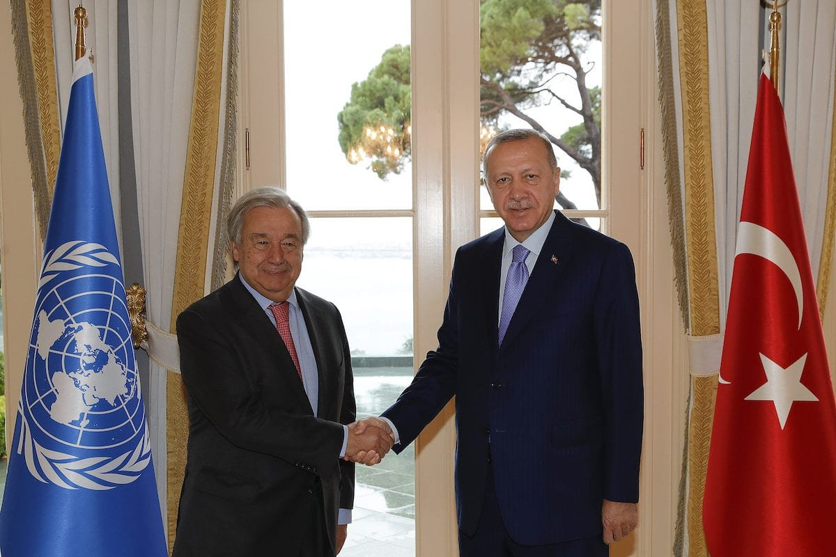 Turkish President Recep Tayyip Erdogan and UN Secretary-General Antonio Guterres shake hands during their meeting at Vahdettin Pavilion in Istanbul, Turkey on 1 November 2019. [Murat Kula - Anadolu Agency]