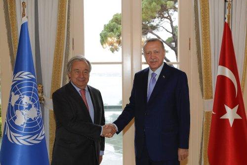 Turkish President Recep Tayyip Erdogan and UN Secretary-General Antonio Guterres shake hands during their meeting at Vahdettin Pavilion in Istanbul, Turkey on 1 November 2019. [Murat Kula - Anadolu Agency]