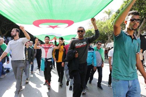 Algerians take part in an anti-government demonstration against Bouteflika regime figures in Algiers, Algeria on 1 November 2019. [Farouk Batiche - Anadolu Agency]