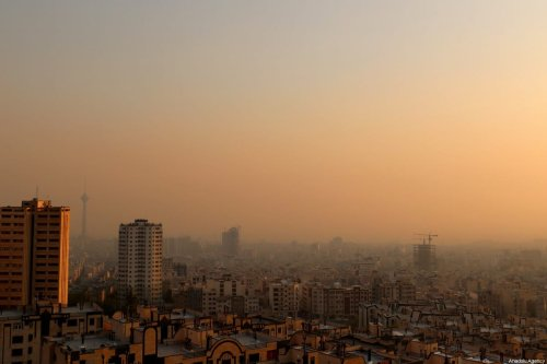 A general view of Tehran shows a blanket of smog covering the city as heavy air pollution hit the city on 13 November 2019 in Tehran, Iran. [Muhammet Kurşun - Anadolu Agency]